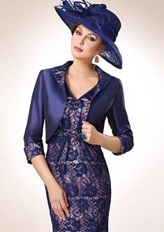 ZEILA DONNA 9234  Conjunto vestido de fiesta corto en encaje, con detalles de cristal y chaqueta en shantung con detalles de encaje