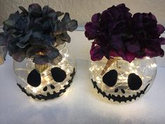 Cheap and easy DIY Jack Skellington Centerpieces! – Stephanie Conn Vigil Cheap and easy DIY Jack Skellington Centerpieces! Cheap and easy DIY Jack Skellington Centerpieces! Halloween 2018, Halloween Birthday, Baby Halloween, Halloween Themes, Halloween Crafts, Halloween Centerpieces, Diy Halloween Decorations Cheap, Halloween Weddings, Cheap Halloween