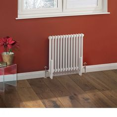 This 600mm x 585mm Milano Windsor Traditional White 2 Column Radiator gives you classic style in a compact size.