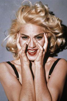 madonna-her-curly-blonde-bob