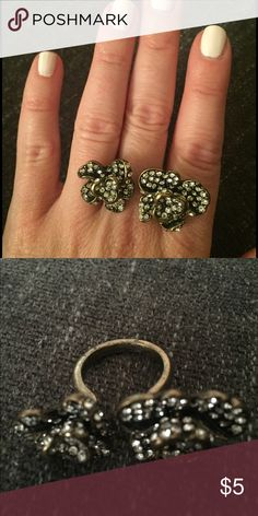 Forever 21 Two Flower Open-Ended Gold Ring Size 10 Forever 21 Jewelry Rings