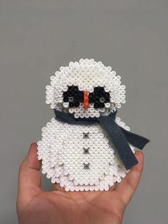 Bałwan 3d / snowman 3d / hama / pyssla / koraliki / zima / winter / kreatywny wychowawca / handmade Crochet Hats, Knitting Hats