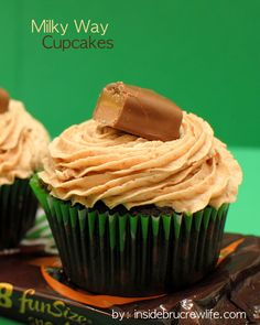 1000+ images about Cupcakes: Candy Bar Edition on ...