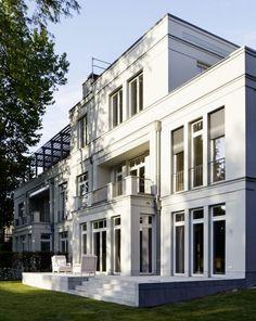 Neoclassical Architecture, Classic Architecture, Facade Architecture, Residential Architecture, Villa Design, Facade Design, Exterior Design, Classic House Design, Townhouse Designs