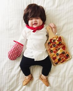 If you're looking for Halloween inspiration (or a day-brightening laugh), look no further than Los Angeles photographer and mom Laura Izumikawa Choi's Baby Joey, Baby Kostüm, Baby Kids, Funny Pictures For Kids, Cute Baby Pictures, Baby Photos, Baby Cosplay, Cute Halloween Costumes, Baby Costumes