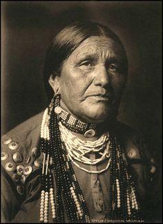 Otoe woman. Photographed by George Bancroft Cornish, 1907.
