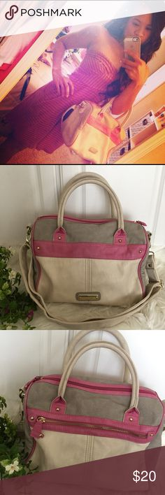 """Steve Madden Pink&Grey Satchel 🌸Pre-loved! One of my favorite Purses, but time to let it go. Its in used condition, has little scuffs in the bottom corner of the bag, and tiny blue pen marks here and there around the purse. There's a water stain on the inside bottom of the purse as well. Just needs to be wipe clean. It's still an overall beautiful bag. Measurements 11.5"""" W x 11""""H Steve Madden Bags Satchels"""