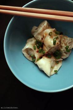 Wan Tans  und asia-Chiliöl milchmädchen.
