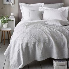 Combining decorative elegance with modern simplicity, the pretty pompom edge detail puts a playful spin on our classic bed linen. Made exclusively for us in Vietnam, from high-quality, cotton percale, Avignon Bed Linen feels wonderfull Grey Comforter Sets, White Duvet, Bedding Sets, White Coverlet, Coverlet Bedding, Linen Bedding, Bed Linens, Gray Bedding, King Comforter
