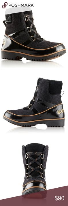Sorel Women's Tivoli II Glitz Boots Black,Pale Gol Sorel Women's Tovoli II Glitz Boots In Black,Gold (1690431-010). New In the Box. Insulated, waterproof and festive this mid-cut beauty offers you plenty of warmth and the smooth lines that make it a Tivoli. The felt upper is soft and pliable, lined with fleece and finished with faux fur at the cuff for extra appeal. Sorel Shoes Winter & Rain Boots