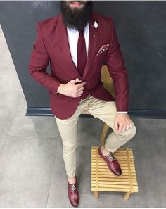 """I am not a part of the """"no sock"""" movement, regardless of how modern it is I HAVE to wear socks! I like how basic this outfit is but it is still faf!"""