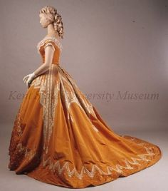 Evening dress, side view.  Worth, Paris, ca 1866.  Kent State University Museum, USA.