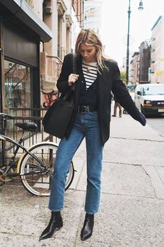 Best straight leg jeans: Ropes of Holland Wears Weekday Jeans Los mejores jeans rectos: Ropes of Holland Wears Weekday Jeans Outfit Jeans, Denim Outfits, Style Outfits, Fall Outfits, Fashion Outfits, Jeans Fashion, Winter Layering Outfits, Layering Clothes, Classy Outfits