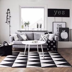 Instagram media by immyandindi - The perfect lounge room from @miniwilla | #interior #interiordecor #interiordesign #blackandwhite #monochrome #best #favourite #number1 #homedecor #photographer #and #propertystyling