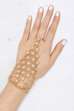 Sheena Chain Hand Piece | Shop Accessories at Nasty Gal!