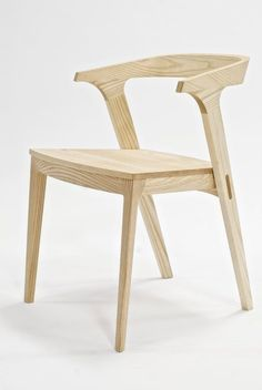 The Heiress Collection by Studio Dunn. Ash wood material and used stub tenon joints to built this chair. The curved seat back can make people feel more comfortable and the function of chair arm can balance human body. Plywood Chair, Plywood Furniture, Cool Furniture, Modern Furniture, Furniture Design, Poltrona Design, Dinning Chairs, Dining Room, Dining Table