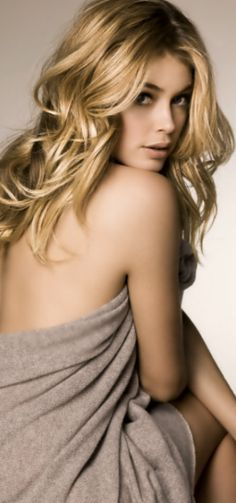 Doutzen Kroes for Repeat cashmere! I like Doutzen but also the cashmere of repeat.