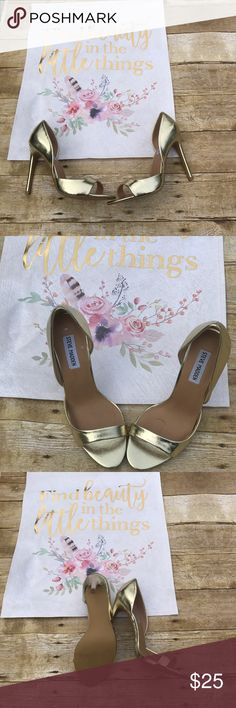 Steve madden silee gold heels sz 8.5 Silee heels new without box. Pu upper, pu lining, pu sock made in china. Gold color size 8.5 Steve Madden Shoes Heels