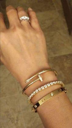 Jewelry Making Tools Cartier bracelets. Cute Jewelry, Gold Jewelry, Jewelry Box, Jewelry Accessories, Women Jewelry, Fashion Jewelry, Jewelry Design, Gold And Silver Bracelets, Silver Earrings