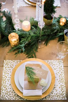 what a beautiful winter tablescape