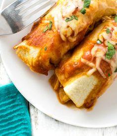 Chicken Enchiladas with Red Sauce Quinoa Enchilada Casserole, Enchilada Recipes, Easy Healthy Dinners, Easy Dinner Recipes, Dinner Ideas, Roast Chicken Enchiladas, Sunday Roast Chicken Dinner, Chicken Recipes Video, Pinterest Recipes
