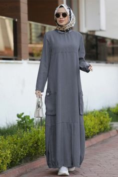 Modest Dresses Casual, Casual Hijab Outfit, Modest Outfits, Abaya Fashion, Muslim Fashion, Fashion Dresses, Latest Pakistani Dresses, Modele Hijab, Clothes For Women