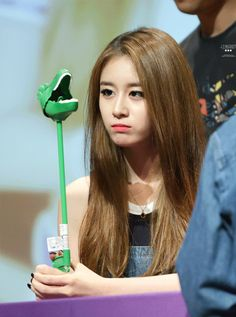 Jiyeon GIF / Press event / Very cute Dino, Love you ! Fighting :D