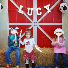 EIEIO here's an adorable farm birthday party with lots of cute details, complete with a farm cake and animal cake pops.