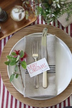 Setting the Christmas table with Annabel Langbein