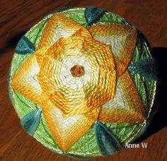 Daffodil temari
