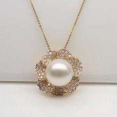 white south sea pearl pendant  with diamonds 1011-DZK06