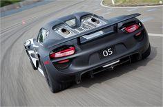 Porsche 918 Spyder (back)
