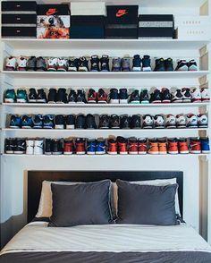 33 Exquisite Room Decor For Men Green - Room Dekor 2021 Shoe Room, Shoe Wall, Bedroom Setup, Bedroom Decor, My New Room, My Room, Hypebeast Room, Sneaker Storage, Mens Room Decor