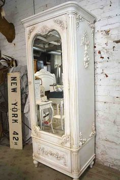 Shabby Chic Bedrooms Archives - Home Style Corner Painted Cottage, Shabby Cottage, Cottage Chic, Shabby Chic Furniture Before And After, Vintage Office Decor, French Armoire, White Cupboards, White Furniture, Painted Furniture