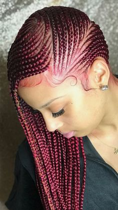 Box braids in braided bun Tied to the front of the head, the braids form a voluminous chignon perfect for an evening look. Box braids in side hair Placed on the shoulder… Continue Reading → Box Braids Hairstyles, Lemonade Braids Hairstyles, African Hairstyles, Black Girls Hairstyles, Twist Hairstyles, Long Hairstyle, Hairstyles 2018, Popular Hairstyles, Black Girl Braids