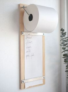 DIY Wood Shopping List Pad pinned by barefootblogin.com