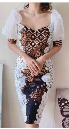 Kebaya Modern Dress, Kebaya Dress, Model Dress Batik, Batik Dress, African Wear Dresses, African Attire, Simple Dresses, Beautiful Dresses, Dress Batik Kombinasi