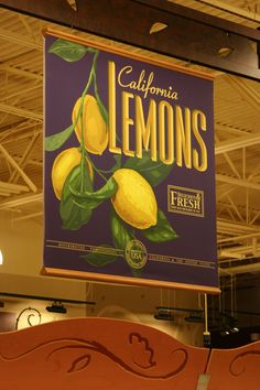 Raley's grocery store signage