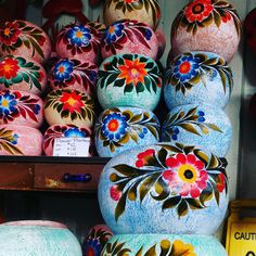Vintage inspired Mexican Pottery de Barrio Antiguo avail starting $12-18-24. Get them before they are all gone. #HoustonTexas Spanish Home Decor, Spanish House, Mexican Garden, Vintage Inspired, Pottery, Rustic, Inspiration, Design, Old Town