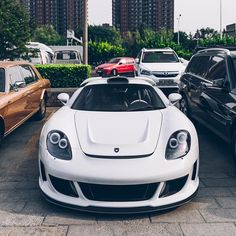 Hyper Beast, Porsche Carrera Gt, Garage Makeover, Exotic Cars, Luxury Cars, Cars Motorcycles, Cool Cars, Super Cars, Vehicles