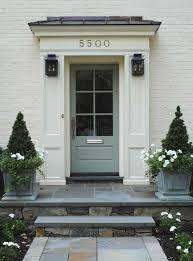 Image from http://www.limitless.uk.com/wp-content/uploads/Plant-pots-front-door.jpg.