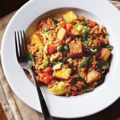 Tofu Fried Rice from Cooking Light. I never use instant rice so I used 2 cups of cooked brown basmati. Press and drain your tofu before cooking. Vegetarian Fried Rice, Vegetarian Recipes, Healthy Recipes, Easy Recipes, Arroz Frito, Rice Recipes, Asian Recipes, Silk Tofu Recipes, Cookbook Recipes