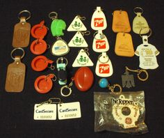 Lot of 25 Key Rings 7UP Toilet Hodgon Powder Hume Leather Coin Purse GE Aircraft Sold $9.99