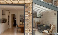 Be inspired by these clever terraced house extension and remodel design ideas that will transform how you live in your home Kitchen Extension Layout, Kitchen Extension Side Return, House Extension Design, Glass Extension, House Design, Extension Ideas, Extension Google, Kitchen Extension Terraced House, Side Extension