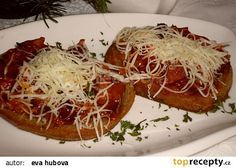 Pikantní směs na topinky recept - TopRecepty.cz Bread Baking, Hamburger, Spaghetti, Toast, Food And Drink, Appetizers, Pizza, Menu, Cooking Recipes