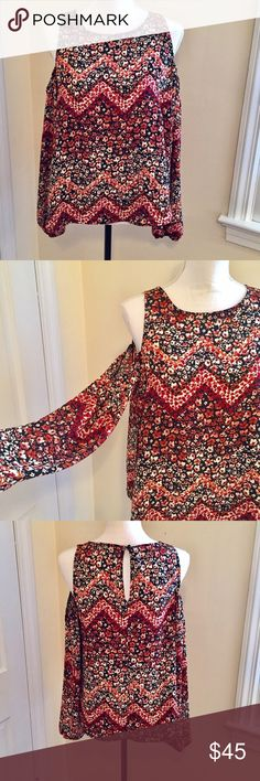 Boho Cold Shoulder Blouse 🦋💙🦋 Gorgeous pattern and sexy cold shoulder design is super flattering. Dress up or down for the perfect vibe! Worn once 🌷🌷 Lily White Tops