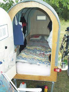 DIY bicycle caravan built by Günther Lorenz