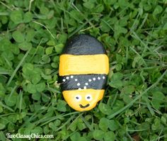 Craft Project: Bumble Bee Painted Garden Rocks