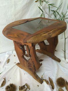 【テーブル】ケヤキ製:天板にガラスを入れた重厚感のあるテーブル