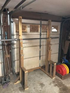 Diy squat rack w/ pull-up bar - homegym Home Gym Basement, Home Gym Garage, Gym Room At Home, Pull Up Rack, Diy Pull Up Bar, Garage Pull Up Bar, Squat Rack Diy, Diy Rack, Homemade Gym Equipment